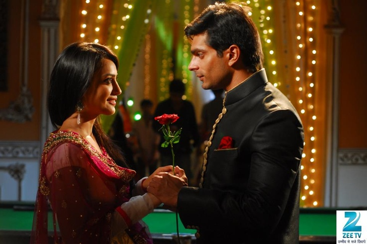 romantic moment between zoya amp asad qubool hai