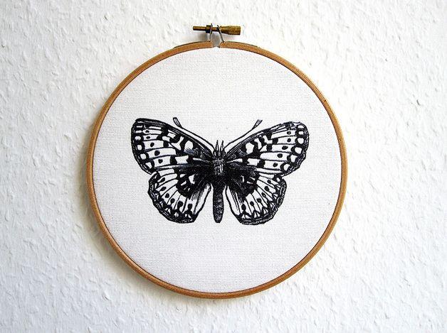 Fancy Bild Schmetterling in Stickrahmen print butterfly in embroidery frame by renna deluxe via dawanda