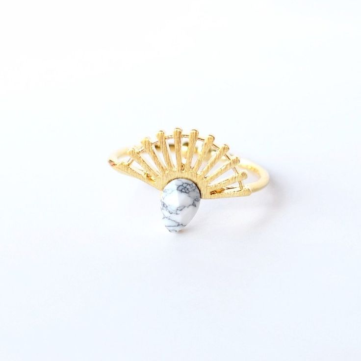 Couronne White Gold Ring - Majolie
