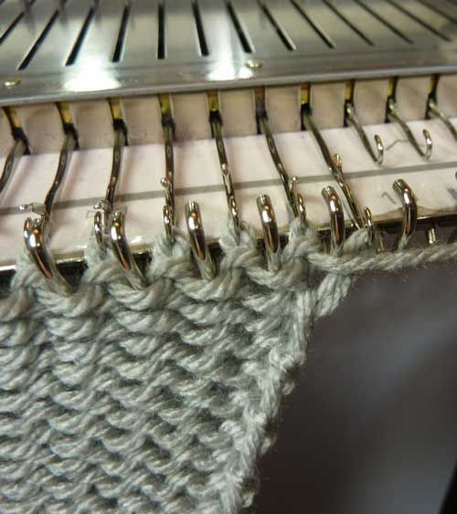 Chained Edges - from the HK world - Knit it Now
