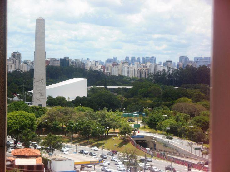 Localizado em frente ao Parque do Ibirapuera, pulmão verde da maior e mais agitada cidade do Brasil, o Hotel Pullman Ibirapuera São Paulo esbanja estilo e conforto em um dos melhores endereços da c…