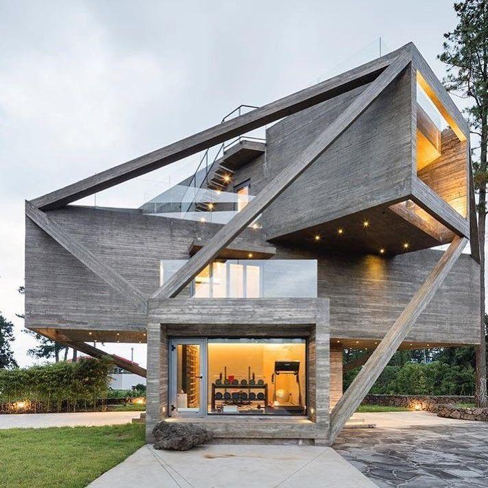 Pin By Olha Antsyferova Kaul On Architecture Simple House Design Architecture Design Modern Architecture