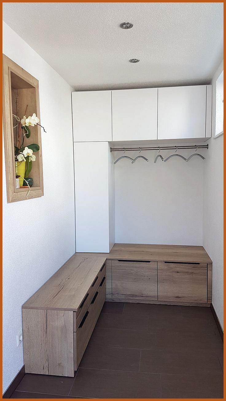 Einbau Garderobe Weiss Und Holz Mit Kleiderstange Einbau