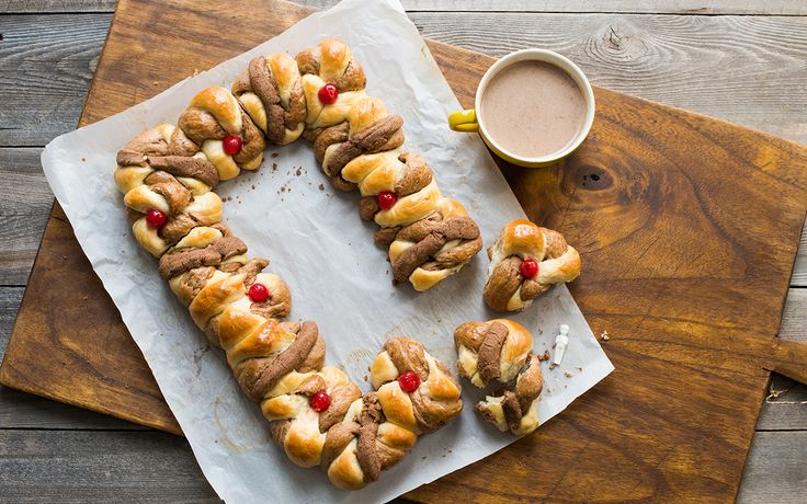 Rosca de Reyes Abuelita recipe for Three Kings Day.  Chocolate inside and chocolate outside.  Perfect for a holiday treat.