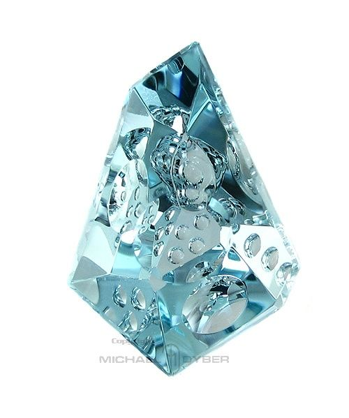 Aquamarine possesion has the  ability to cleanse both the physical and spiritual bodies.