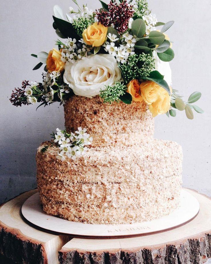 Мы считаем, что праздник без торта - не праздник! Фавориты для заказа торта являются свадьба, день рождения, корпоратив и годовщина❤️//Мы открыты ежедневно по адресу Набережная Академика Туполева, 15к26 (м. Бауманская).Пн-пт: 8:30-20:30Сб-вс: 11:00-20:30// Забронировать сладости из магазина, уточнить наличие, забронировать торт целиком или заказать торт к определенной дате можно по телефону:☏ 7(926) 308-33-38✎ пишите нам на kalabasa@kalabasa.ru❃ ассортимент можно посмотреть ☞ Shop.kalabasa.