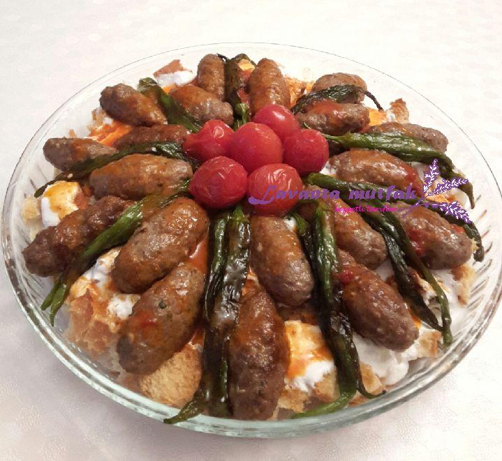 Köfteli Yoğurt Kebabı