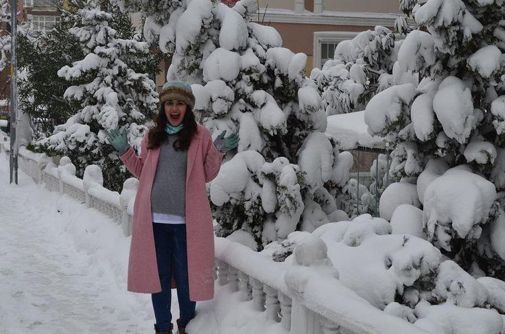 """246 Beğenme, 12 Yorum - Instagram'da Sinem Aydınoğlu 👒 (@sinem.aydinoglu): """"Madem doğuramıyorum o zaman #tbt 😡#39weekspregnant #pregnancy #usedlooknet"""""""