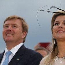 POZNAN - Koning Willem-Alexander heeft woensdagavond in de Poolse stad Poznan zijn eerste staatsbezoek afgesloten. Vanaf het plaatselijke vliegveld is het koninklijk gezelschap met het regeringsvliegtuig vertrokken naar Amsterdam. In het najaar is het volgende staatsbezoek. De bestemming is niet bekend.