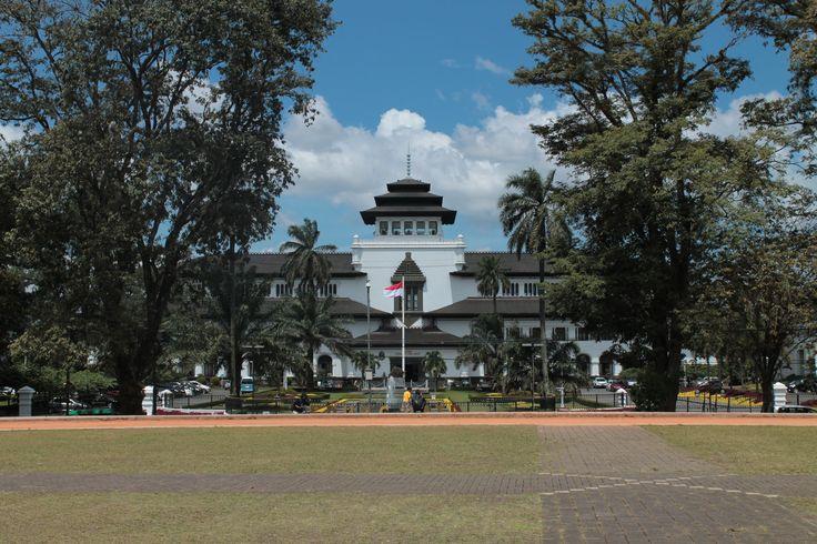 https://flic.kr/p/smrh3q | Gedung Sate, Bandung, Jawa Barat.