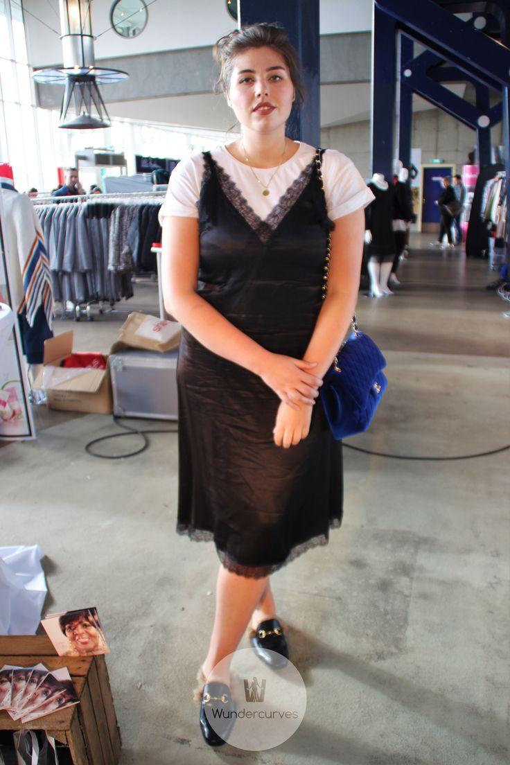 Kleid mit punkten welche schuhe
