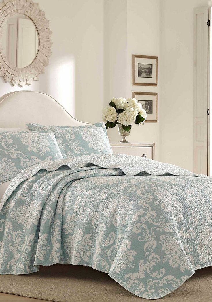Laura Ashley Twin Bright Blue Quilt Set Blue