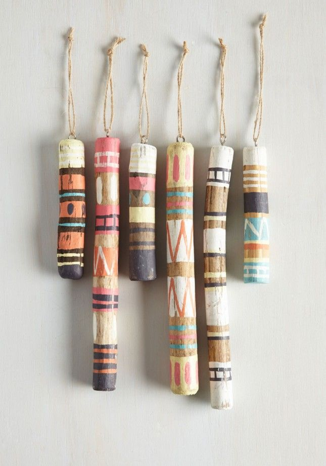 Made from driftwood and rustic jute loops, these painted ornaments are ideal for the nature lover.