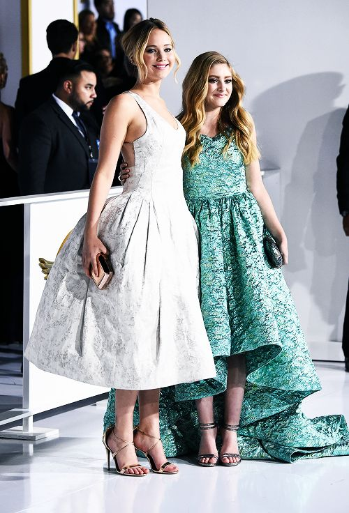 Jennifer Lawrence and Willow Shields attend 'The Hunger Games: Mockingjay Part 1' film premiere in Los Angeles, California on November 17th, 2014.