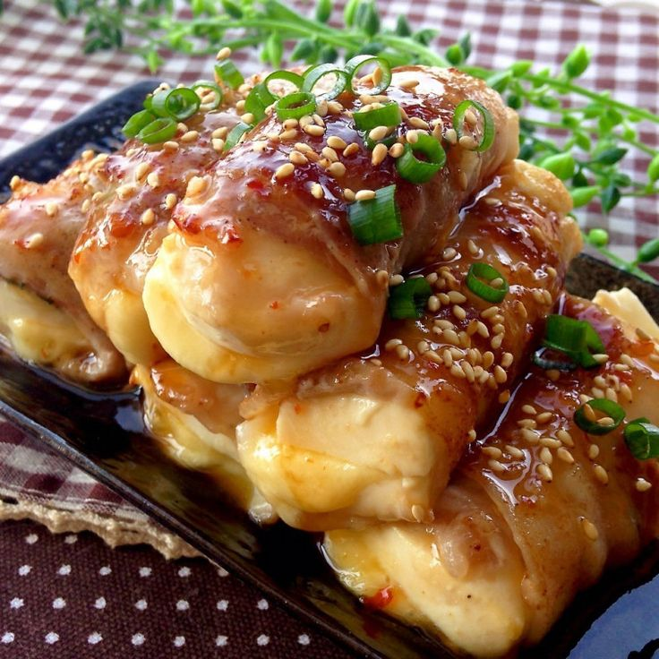 チーズがトロ〜り♡肉巻き豆腐の旨ダレ