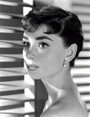 audrey hepburn hair, my hair idol. wish i could pull of the pixie that well.