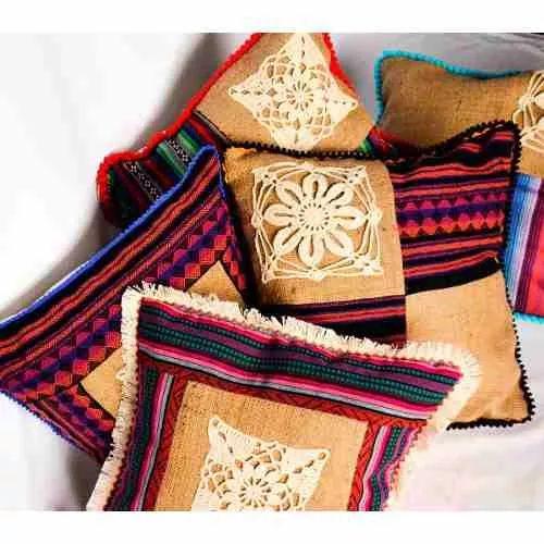 Fundas Para Almohadones (arpillera + Aguayo + Crochet) - $ 180,00