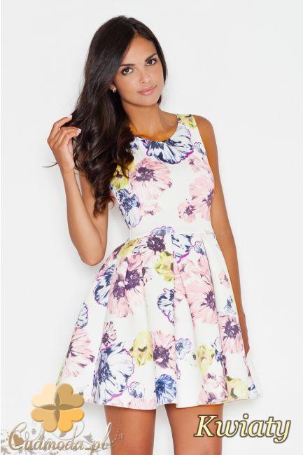 Rozkloszowana sukienka przed kolano na ramiączkach w kwiaty  marki FIGL.  #cudmoda #moda #ubrania #odzież #clothes #sukienki