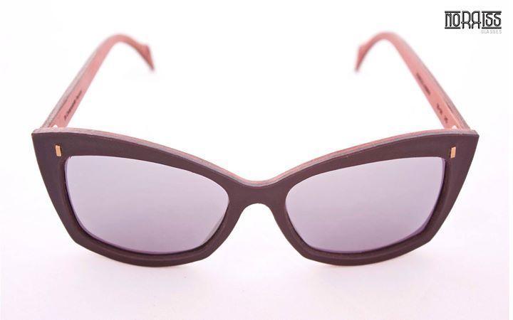 Nuestras más femeninas. Norriss #Audrey para resaltar unos ojos que enamoran.  #GafasdeCuero  #HechasaMano  http://ift.tt/1PezME1  Our most feminine. Norriss #Audrey to stand out eyes to love. #LeatherGlasses #HandMade http://ift.tt/1PezME1