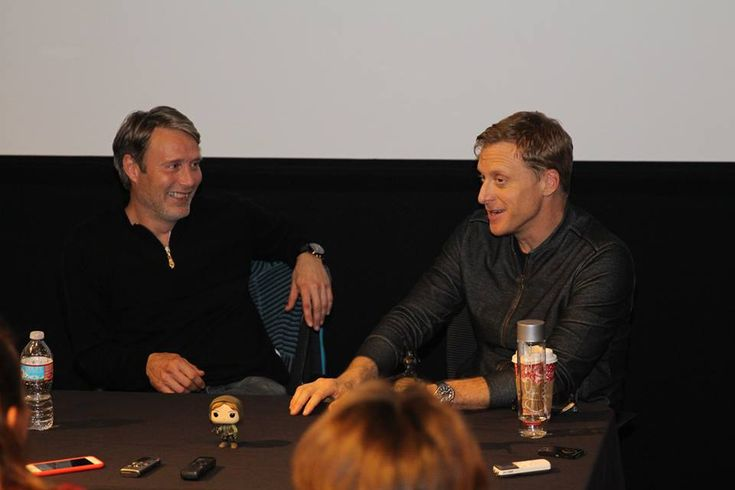 Talking ROGUE ONE with Mads Mikkelsen and Alan Tudyk - We sat down with the two that play Galen Erso and K2-SO to talk about the film, fires, their favorite characters and more. via @donnahup