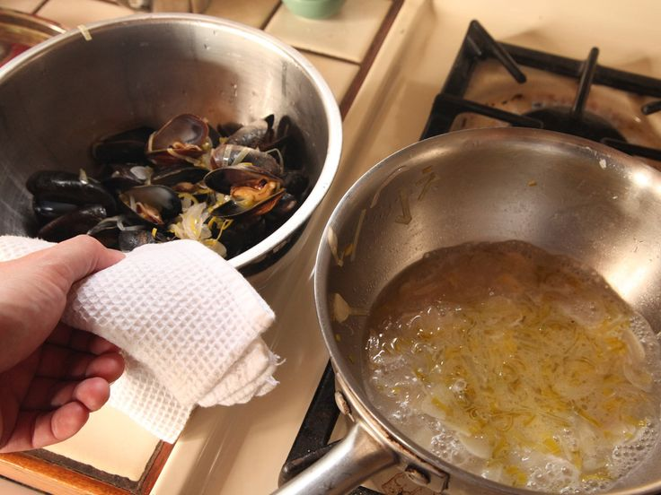 The Food Lab: How to Cook Mussels (The Easiest Choose-Your-Own-Adventure, One-Pot Meal Around) | Serious Eats