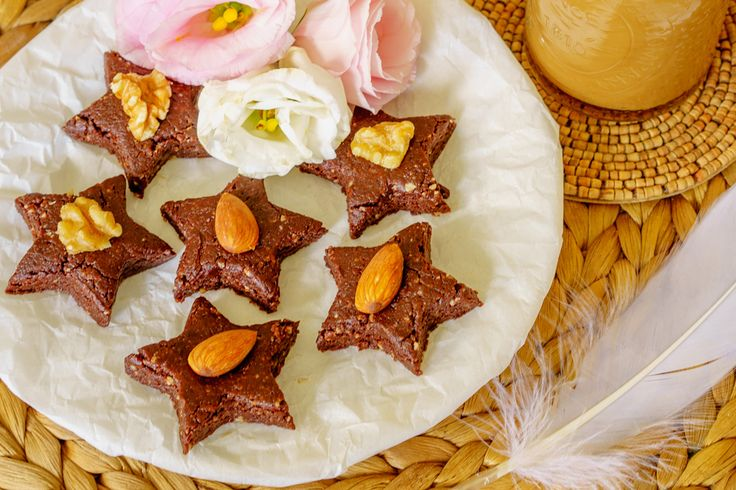 Raw choc orange stars. When your sweet palate's not full and you fancy an after-you-eat treat but still want to be good, try one of these raw chocolate orange stars. They're a nutty fudgy 'Terry's Chocolate Orange'.