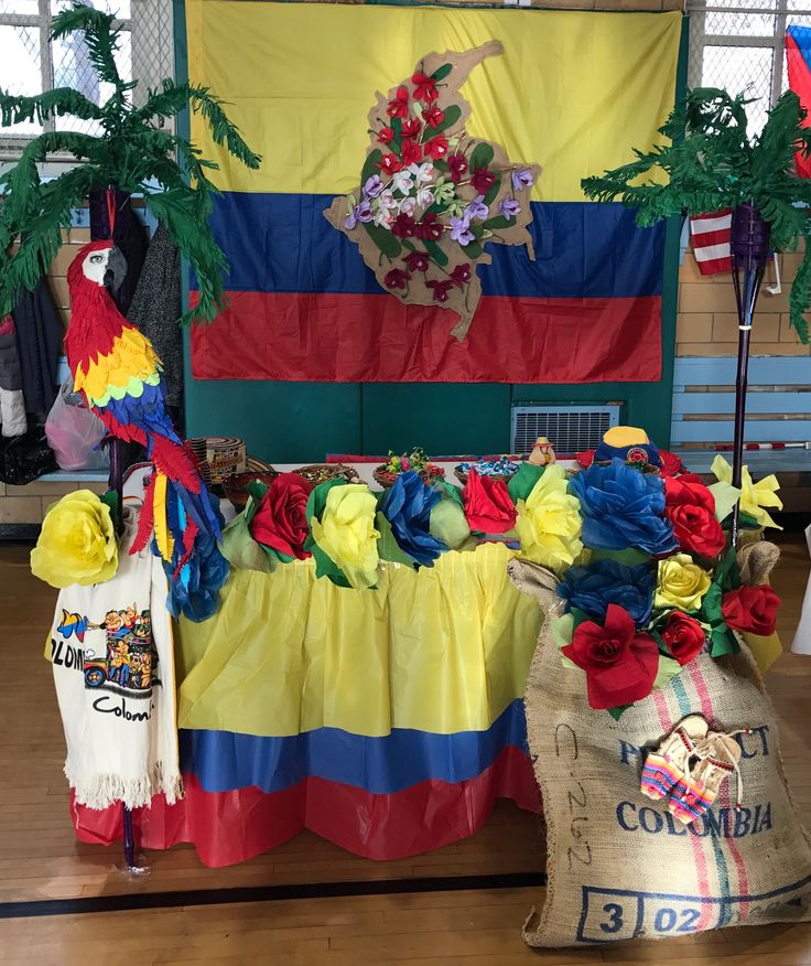Colombian table decor.