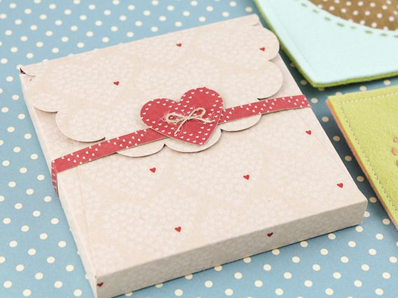 scalloped top box heart. Would make a good card box Boxes Heart ...