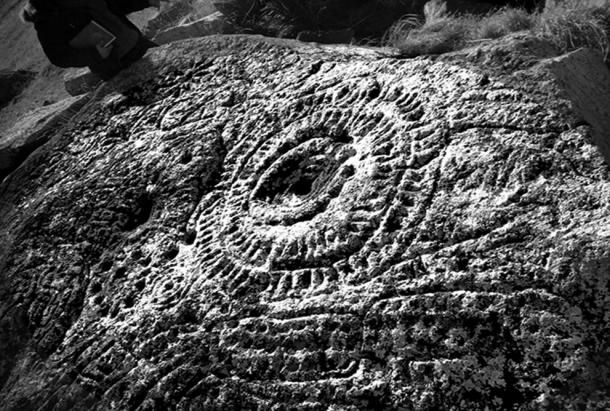 In the volcanic Gegham and Vardenis Mountains of Armenia, architect Suren Petrosyan discovered unique and mysterious astrological rock art paintings.Experts have different opinions on the creation chr