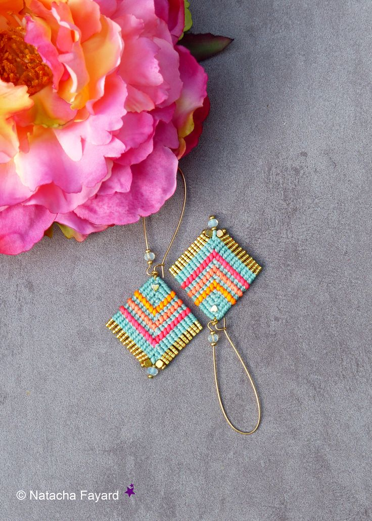 Boho chic style & Bollywood colors. Micro macrame earrings hoops. Aqua blue / azure, neon orange, coral and pink. Gold miyuki fringe. Available in my shop. © Natacha Fayard