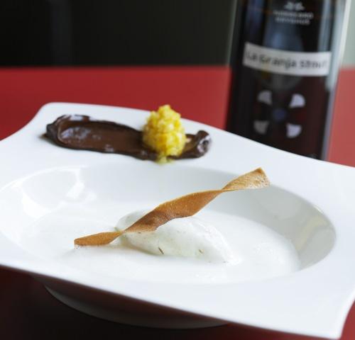 Hvid chokoladesuppe med La Granja Stout.