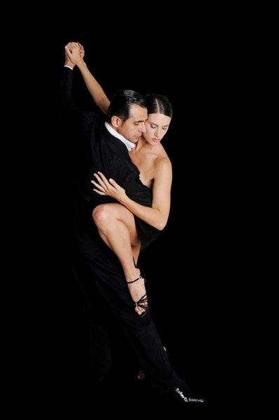 tango öğrenmek daha kolay geldi bana nedense belkide http://fabrikadans.com sayesindedir=)