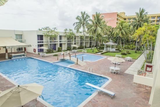 Piscina y chapoteadero del Hotel Posada de Tampico