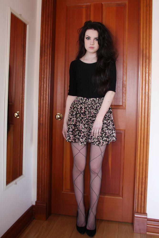 Abbey Karson: High waist floral skirt and black top