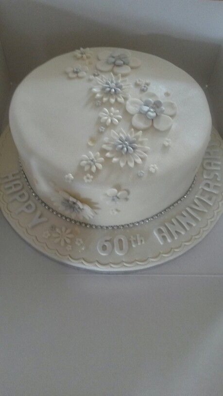 60th Diamond anniversary cake family ideas Pinterest ...
