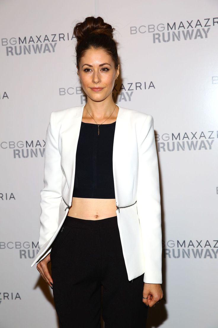 amanda-crew-bcbg-max-azria-fashion-show-in-new-york-city-september-2014_1.jpg (1280×1920)