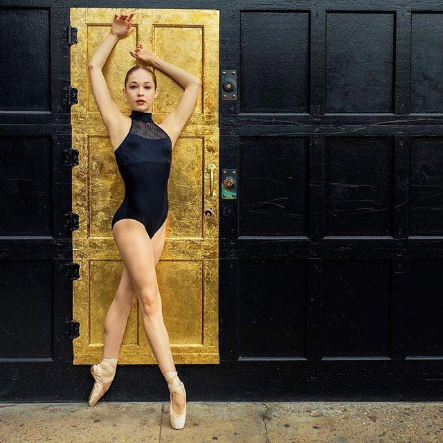 Juliet Doherty is wearing REVE. Photo: www.LPonsPhotography.com #wearmoi #beautifuldancers #julietdoherty