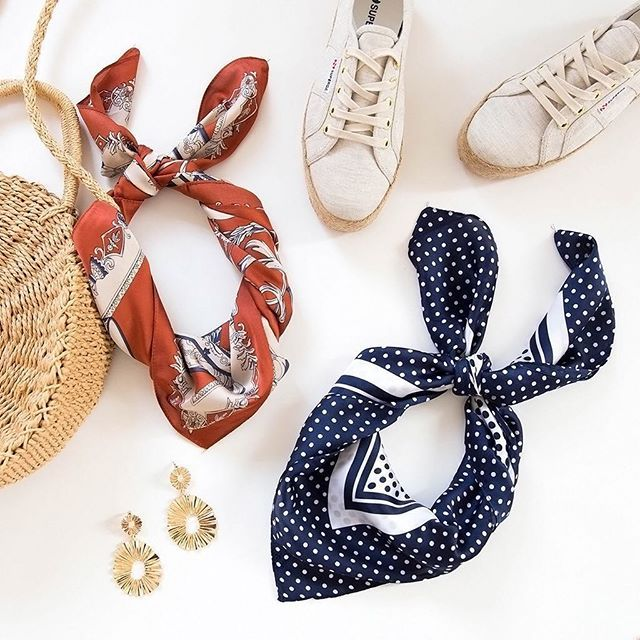 Florence Scarf - Navy Spot x Divergent Earrings - Gold x 2730 Italy Linen Rope W Sneaker - Beige + Cream