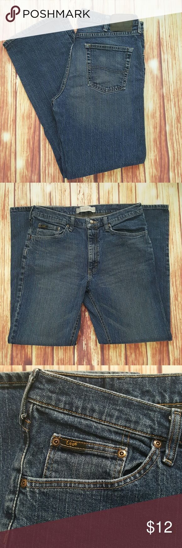 Lee Premium Men's Straight Regular Jeans Size: 34 x 32 In excellent condition  No damages or stains Lee Jeans Straight