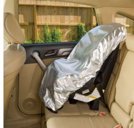 Um dos itens mais úteis atualmente lá em casa!!! Capa protetora para cadeirinha do carro. Ela reflete o calor e as crianças não reclamam do calor!!!
