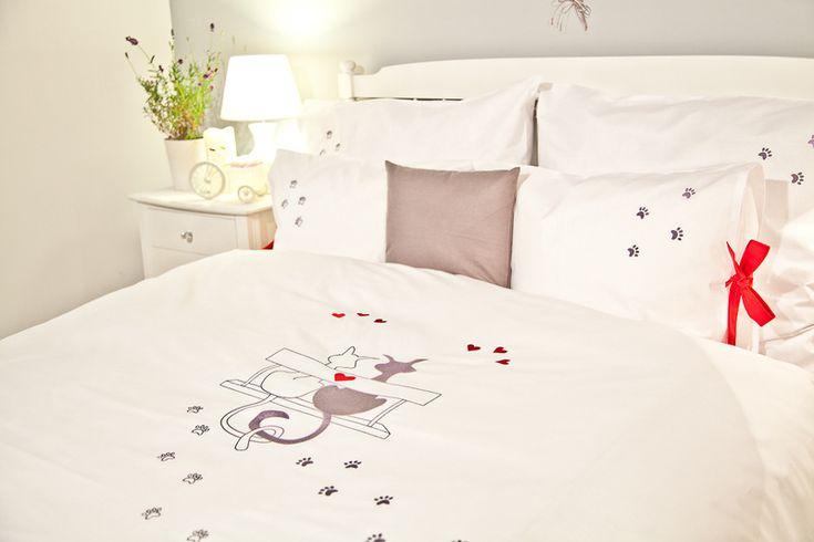 #niezchinzpasji Pościel haftowana bawełna 100% wzór KOTY w Blue Bed na DaWanda.com