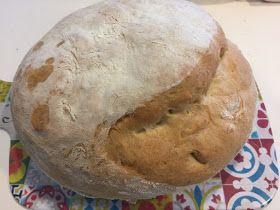 Hoje trago a receita do maravilhoso pão alentejano. Ficou mesmo delicioso, fofinho por dentro e crosta crocante por fora, mas é um pão enor...