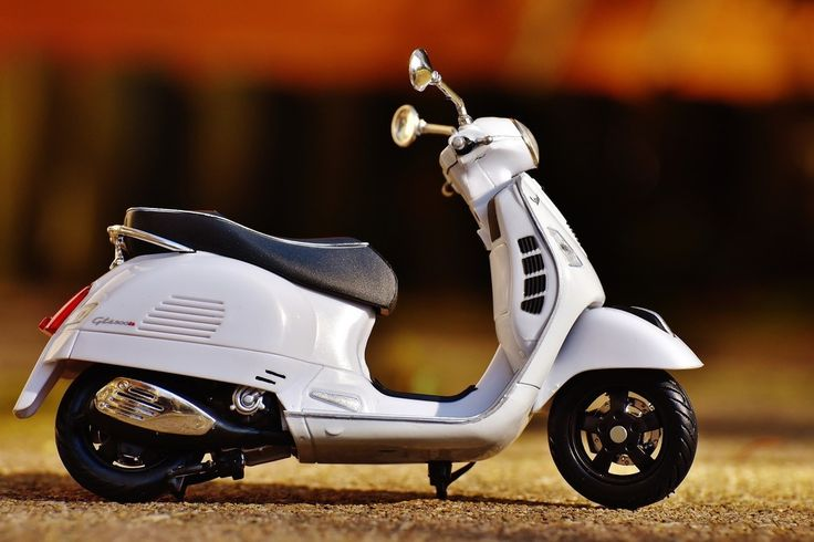 Vespa bike model, toy wallpaper