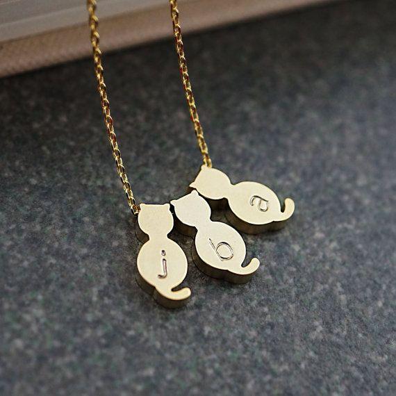 Kitty gatti personalizzati collana, collana iniziale, Dainty lettera collana, monogramma gioielli, regalo di Natale Abiti sposa damigelle d