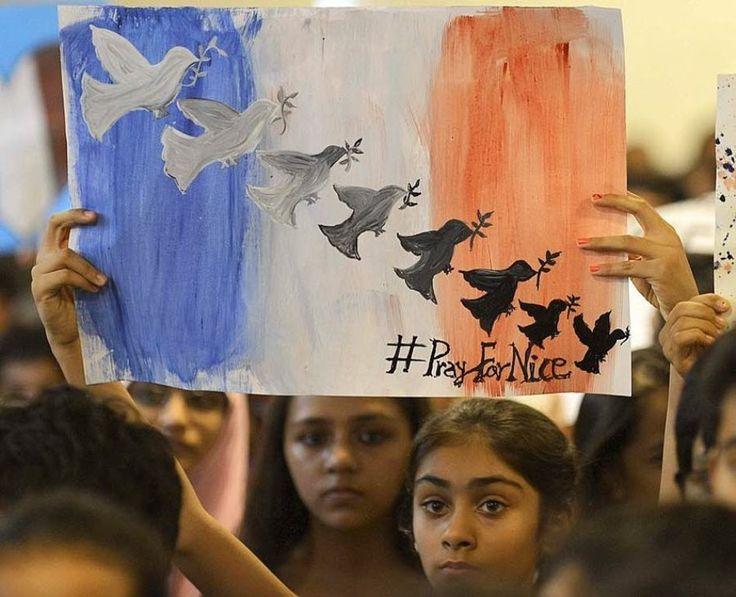L'horreur d'une violence inouïe vient de frapper notre région le jour de la fête nationale. Notre Église de Martigues partage la souffrance des victimes et de leurs familles brisées par le chagrin. C'est dans une prière profondément dépouillée que nous...