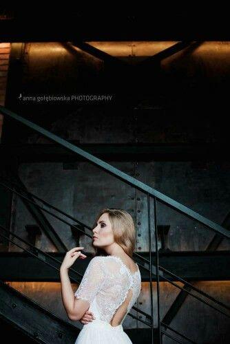 Pierwsze emocje za nami, sesja była rewelacyjna, energia wspaniała:) a oto pierwsze efekty:)   Foto Anna Golebiowska Photography Modelka Dorota Spaczynska Suknie Patricia Szlazko #szybmaciej #annagolebiowskaphotography #szybmaciejrestauracja&bistro #suknieslubne  #sukniaslubna  #weddingdress #wedding #bride  #pannamloda #patriciaszlazko #pieknesuknie #beautifuldress