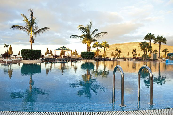 SENTIDO H10 Playa Esmeralda  Fuerteventurá a Kanári-szigetek egyik csodálatos szigeté, ahol az év több mint 300 napja napsütéses.  #nyár 2014 #spanyolország #Fuerteventurá #Kanári-szigetek