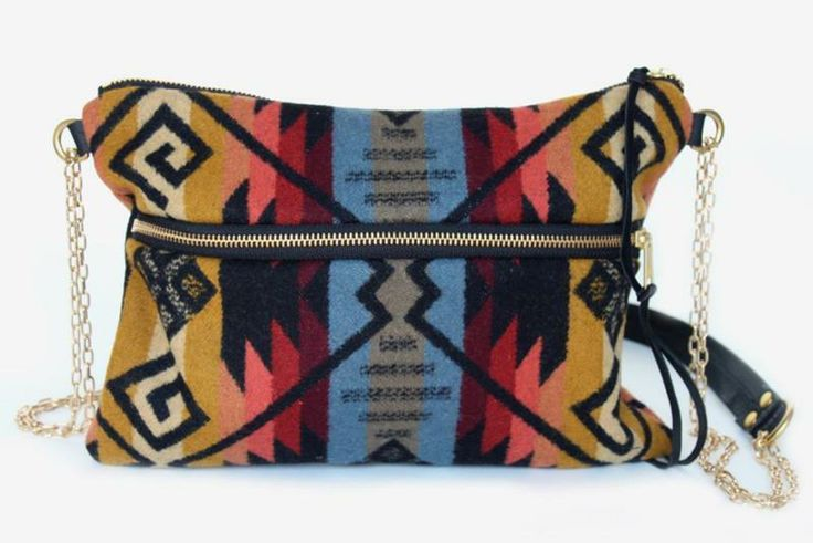 Combine the versatility of a crossbody and the charm of Pendleton Wool and you get this knockout bag.