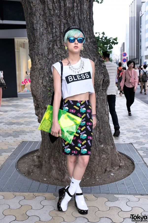 Crop Top & Green Hair in Harajuku