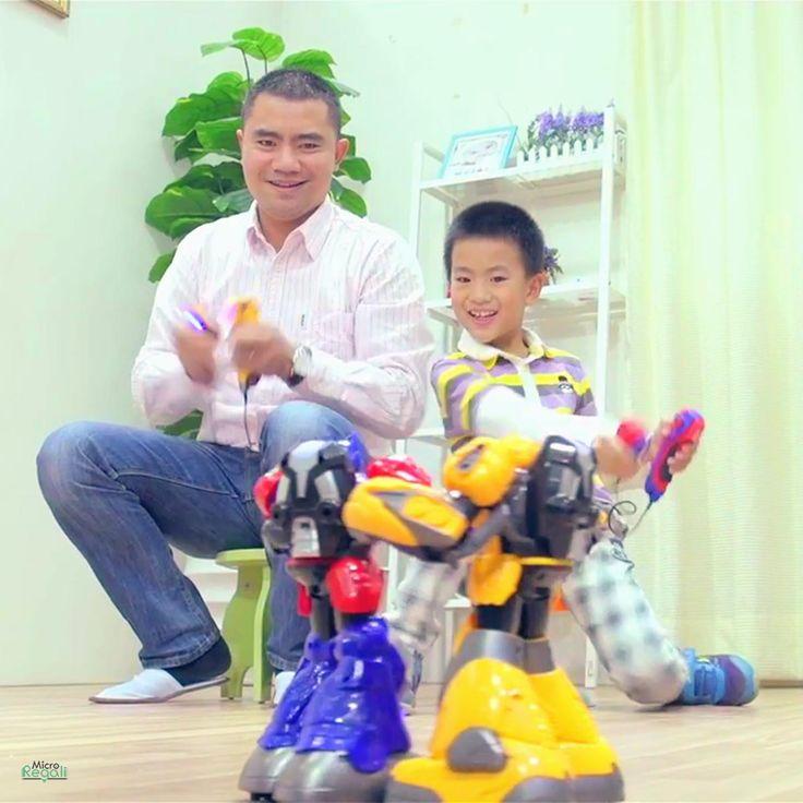 COPPIA ROBOTS COMBATTENTI Fighting Robot Radio Control Ricaricabili USB bambini 8 A